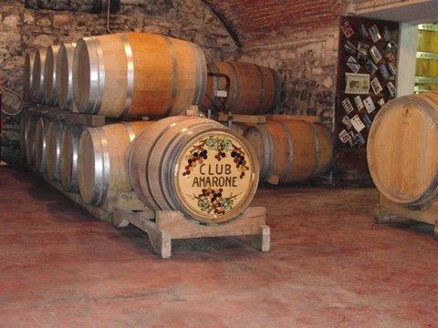 Föregående årgång av Amarone Raimondi i källaren hos Villa Monteleone